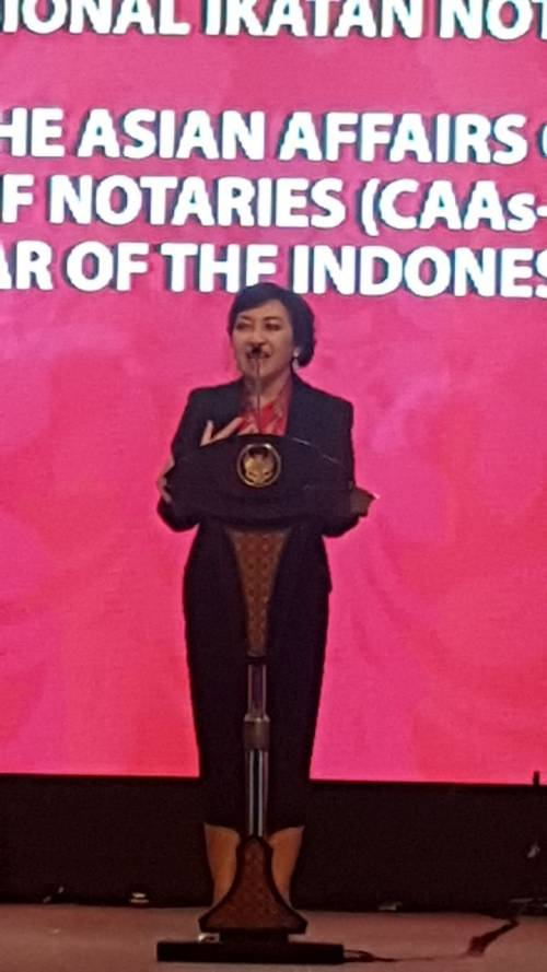 Sambutan Ketua Umum INI ibu Yualita Widyadhari, SH., MKn pada acara Pembukaan Rapat Komisi Asia Ikatan Notaris Internasional (CAAs UINL) dan Seminar Internasional Ikatan Notaris Indonesia (INI) tanggal 7-8 September 2017 di Bali
