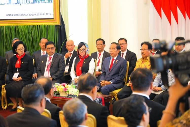 Jokowi Buka Kongres Ikatan Notaris Indonesia Secara Simbolik di Istana Bogor