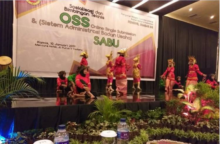 Sosialisasi OSS (Online Single Submission) dan SABU (Sistem Administrasi Badan Usaha)  di Sumatra Barat