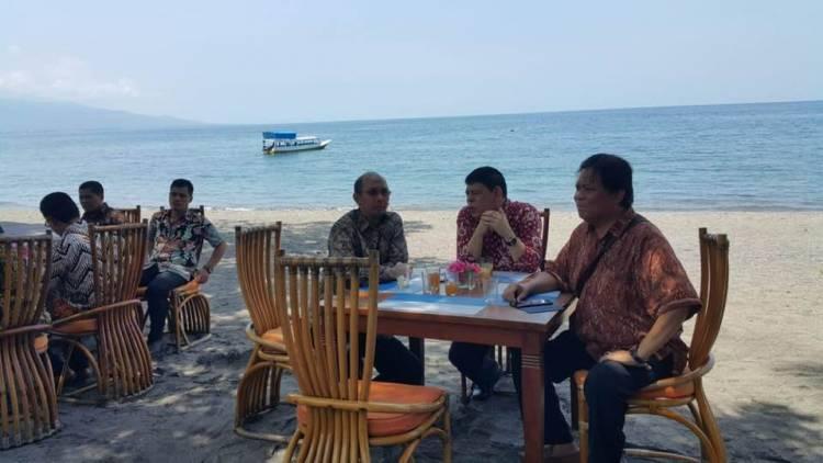 Seminar Pembekalan dan Pelatihan OSS dan Sistem Administrasi Badan Usaha serta Upgrading Pengurus Wilayah Ikatan Notaris Indonesia NTT